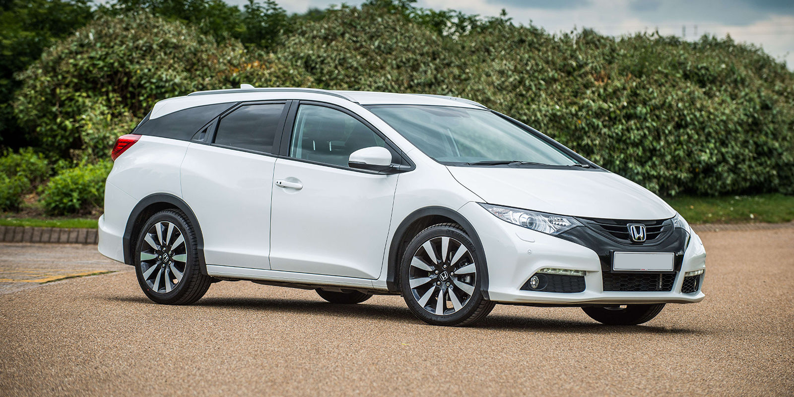 Honda Civic Tourer - 5 Seats - 42 -74MPG