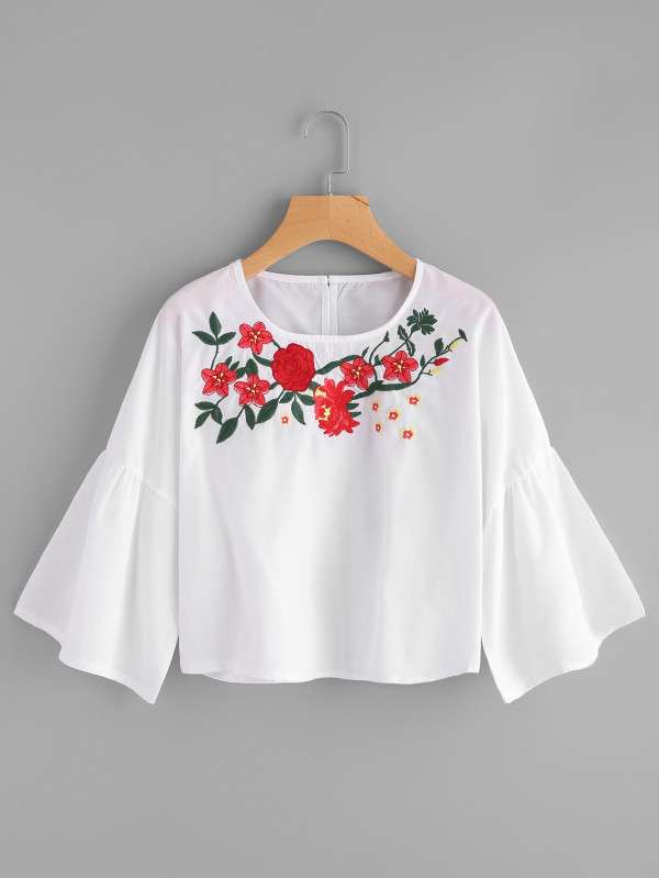 SHEIN 3/4 Sleeve Embroidered Top